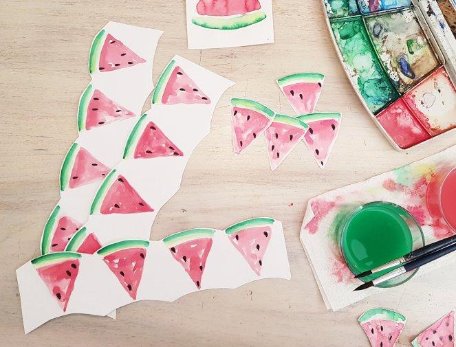 Wassermelonen malen für eine Girlande DIY.jpg