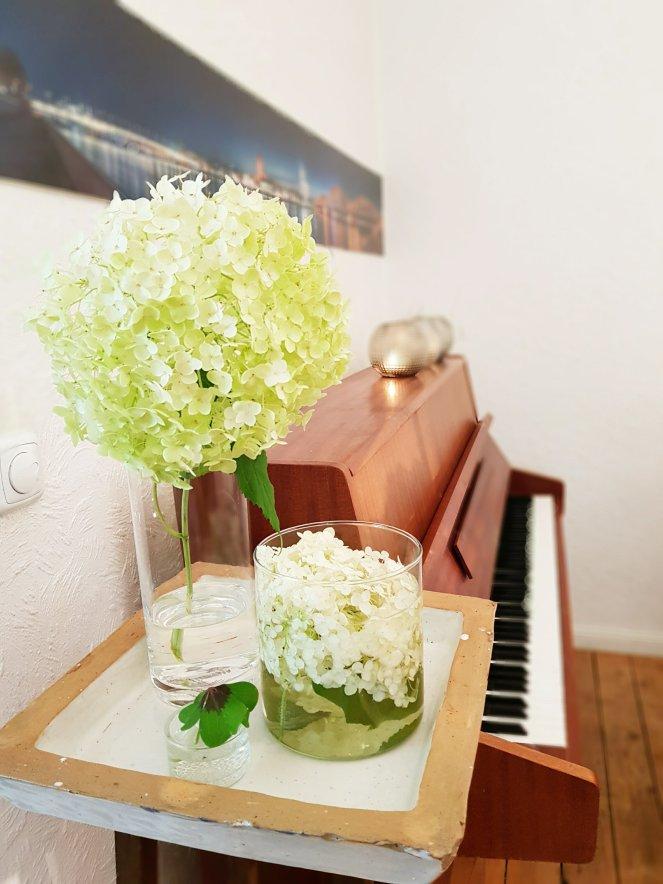 Hortensien und Klavier Dekoensamble.jpg