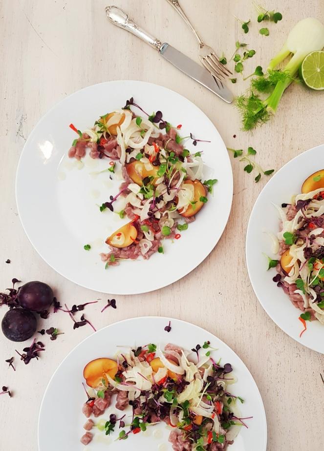 marinierter Thunfisch mit Limette. Chili und Pflaume